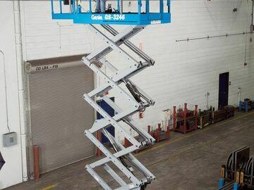 En alquiler: Tijera Eléctrica de 12 metros