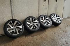 "Selling: 18"" VW Polanka Rims w/ Hankook allseason tires"