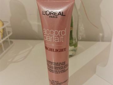 Venta: Iluminador líquido L'Oréal Paris