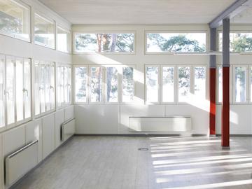 Renting out: Valoisa Atelje sali (70m²) hiekkarannalla