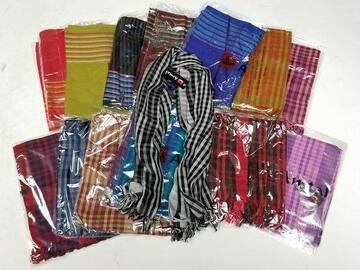 Liquidation/Wholesale Lot: 100 Scarfs - Great Assortment Assorted SAKA Womens Scarves