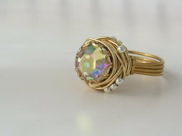 Selling with online payment: Vintage Rhinestone Button Ring