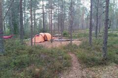 Vuokrataan (viikko): 2 kpl rinkka, makuualusta, makuupussi ja teltta pe-su