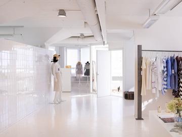 Renting out: Upea iso, valoisa studio, ateljee, työtila-myös mahdollista jakaa