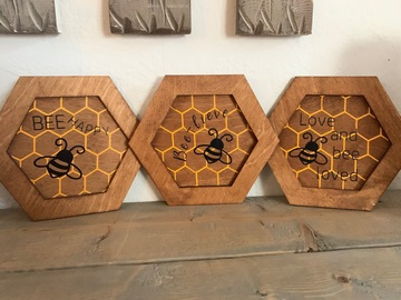 Selling with online payment: Set of 3 bee signs