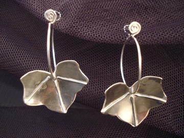 Selling with online payment: Ivy Leaf Earrings Silver