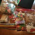 Compra Ahora: Lot of mixed craft supply, kids activties and paper goods