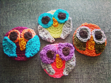 Selling with online payment: Caribbean Owl Brooches!
