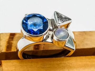 Selling with online payment: Sterling Silver with Moon Stone
