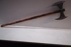 Selling with right to rescission (Commercial provider): Ascia celtica a doppia penna in ferro forgiato a mano.