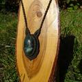 Selling with right to rescission (Commercial provider): handgemachte Halskette in Makramee, dunkel-olivengrün, Jadestein