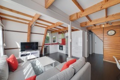 Book on LiveLocal or Other Platforms: Awesome 3 Bed Rotorua Lake House