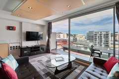 Book on LiveLocal or Other Platforms: Awesome Central Wellington Apartment