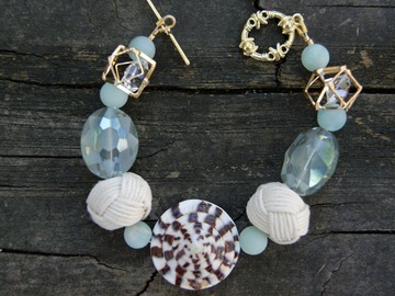 Selling with online payment: Seaside Shell Bracelet