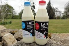 Vente avec paiement en direct: Lait fermier Bio de vaches jersiaises entier ou  1/2 écrémé