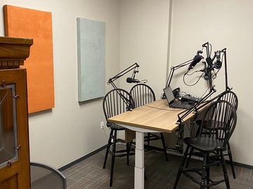 Rent Podcast Studio: Office Evolution - Conroe/Woodlands