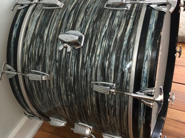 "Selling with online payment: 20"" 1960-63 Ludwig Blue Oyster Pearl Bass Drum"