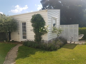 Book on LiveLocal or Other Platforms: Hiraeth House B&B - Little Hiraeth. Te Awamutu, Waikato