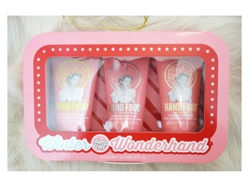 Selling with online payment: Soap and Glory gift set