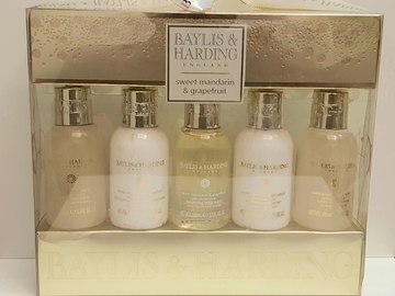 Selling with online payment: Baylis and Harding gift set