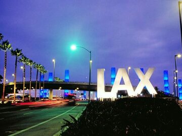 Daily Rentals: Los Angeles CA, UBER To LAX Daily Parking Quiet Safe Parking Spot