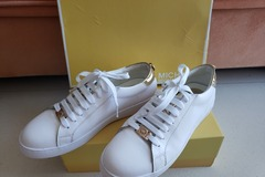 Selling without online payment: MK Leather Trainers (Shoes)