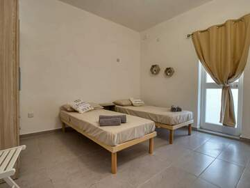 Rooms for rent: Rooms with private bathroom and small terrace