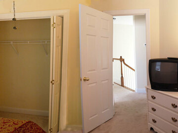 Renting Out with no Availability Calendar: 251 Furnished Guest Room to Rent