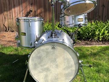 Selling with online payment: Yamaha Manu Katche Hip Gig drum set
