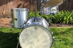 Selling with online payment: Yamaha Manu Katche Hip Gig drum set