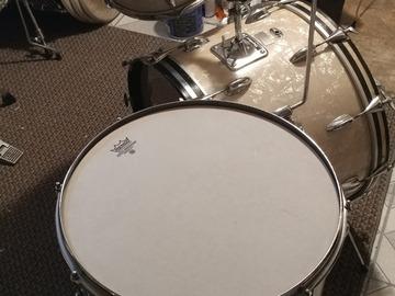 Selling with online payment: Slingerland 1960's vintage drum set