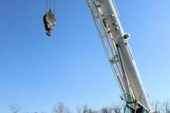 Renting out equipment (w/ operator): LIEBHERR LTM1090-2