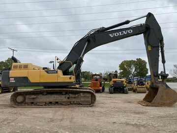 Renting out equipment (w/ operator): VOLVO EC480DL
