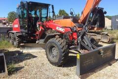 Renting out equipment (w/ operator): CASE 836C