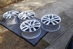 Selling: Tesla Aracnid 21x8.5f 21x9.0r  referral only rims.