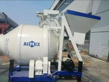 Renting out equipment (w/o operator): Concrete mixer