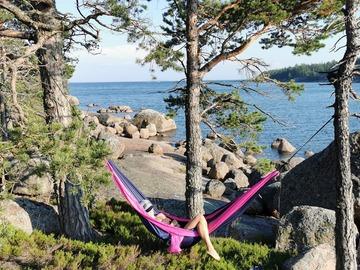 Renting out (by week): Riippumatto 2hlö + kiinnitysköydet