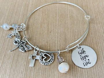 Selling with online payment: Faith Hope Love Charm Bracelet