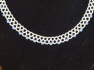 Selling: Beaded lace necklace
