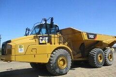Renting out equipment (w/o operator): CATERPILLAR 745C 2015
