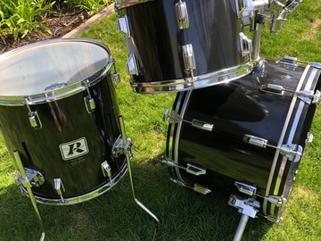 Selling with online payment: Rogers Big R Black Londoner V -4 piece