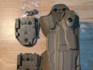 Selling: Safariland Sig P320/M17 holster kit