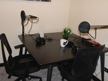 Rent Podcast Studio: Podcast recording