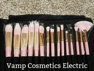 Buy Now: (10) Vamp Cosmetics Cruelty-Free Boutique Makeup Brush Sets