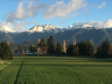 Book on LiveLocal or Other Platforms: TE ANAU Dusky Street Haven, sleeps up to 10, free WIFI