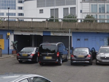 Daily Rentals: London Massive Garage Available For Parking, 100% Secure, Safe