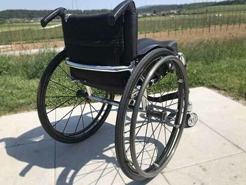 Selling with online payment: Ultra-lightweight wheelchair RGK Tiga Sub4