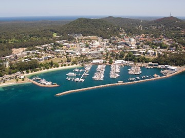 Rent By The Day (Calendar availability option): 15m Berth Nelson Bay d'Albora Marinas