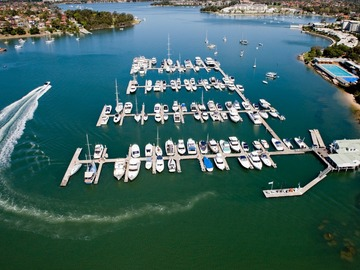 Rent By The Day (Calendar availability option): 15m Berth Cabarita Point d'Albora Marinas