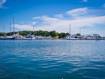Rent By The Day (Calendar availability option): 12m Berth Cabarita Point d'Albora Marinas